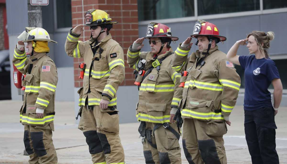 Appleton shooting: Fire departments throughout Fox Valley grieve, step up to help