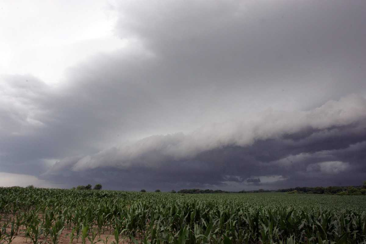 Central U.S braces for severe weather, including tornadoes, but could Eastern Iowa miss the worst?