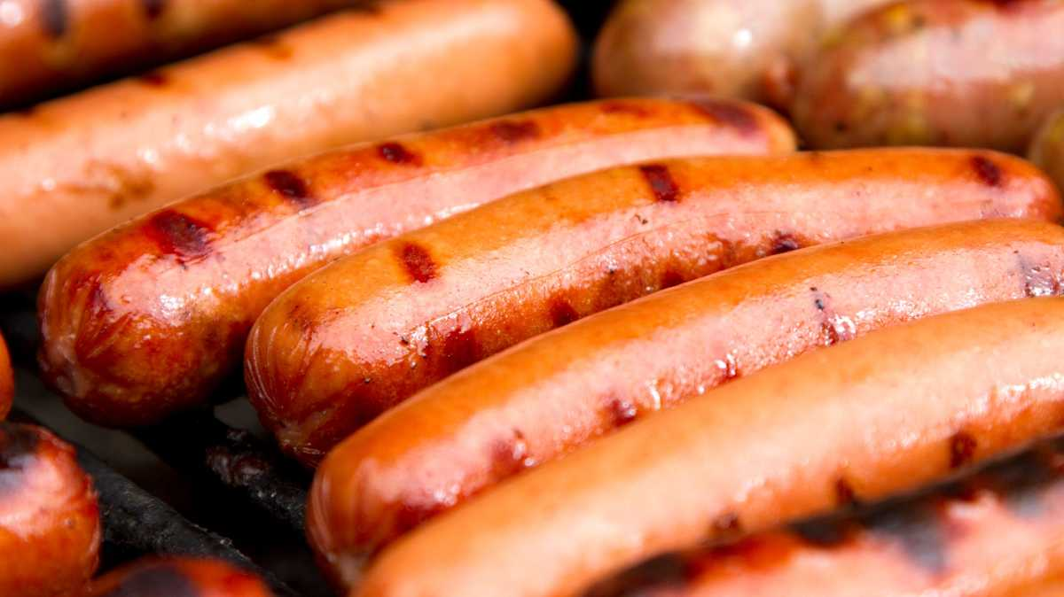 Food safety:  1 ton of hot dogs recalled due to concerns about metal pieces