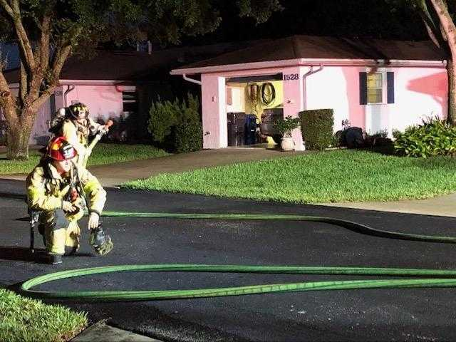 Gas leak forces 2 families from homes in Winter Haven
