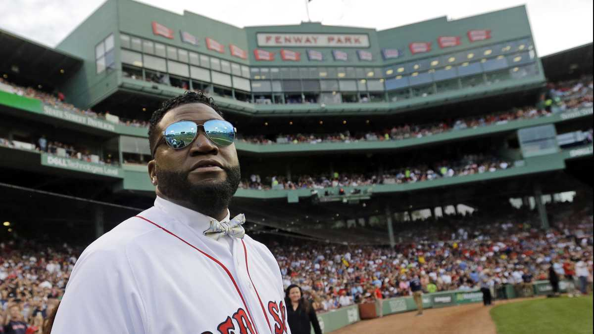 Ex-slugger David Ortiz traveled with little or no security, counting on fans to protect him