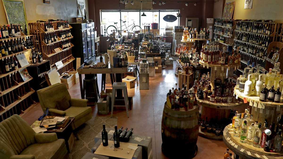 The Buzz: Tandem wine and beer shop plans to relocate in Appleton