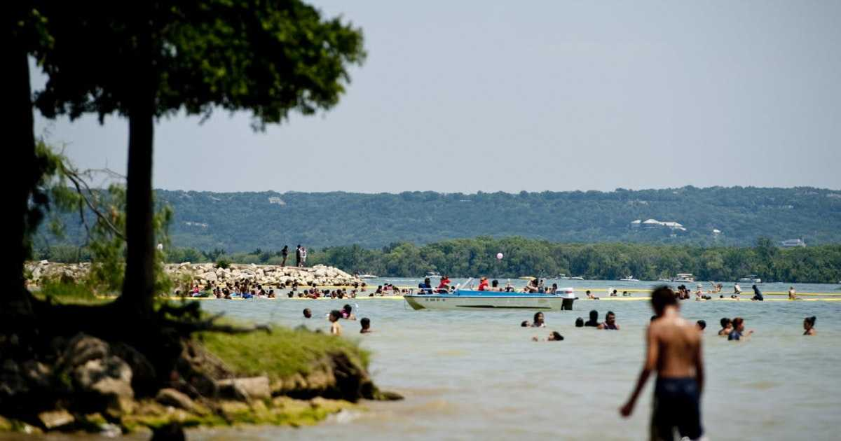 Swimmer dies after vanishing underwater at Grand Prairie's Joe Pool Lake
