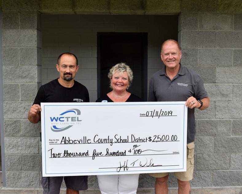 WCTEL contributes to Abbeville County School District