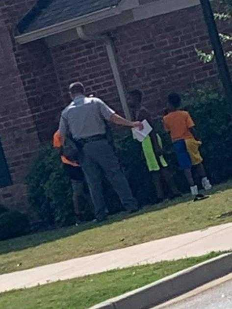 Mother impressed when trooper plays with neighborhood children