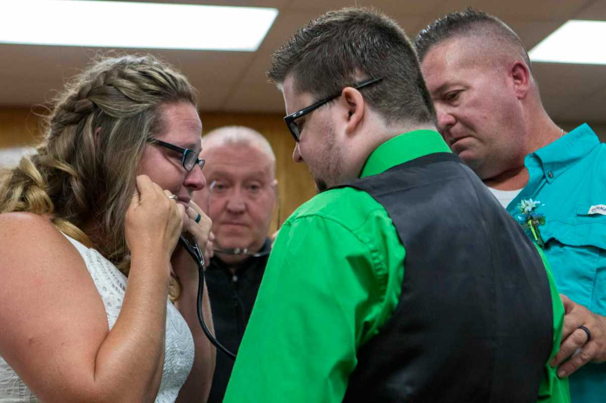 Porter wedding couple hear late son's heart beat through donor recipient