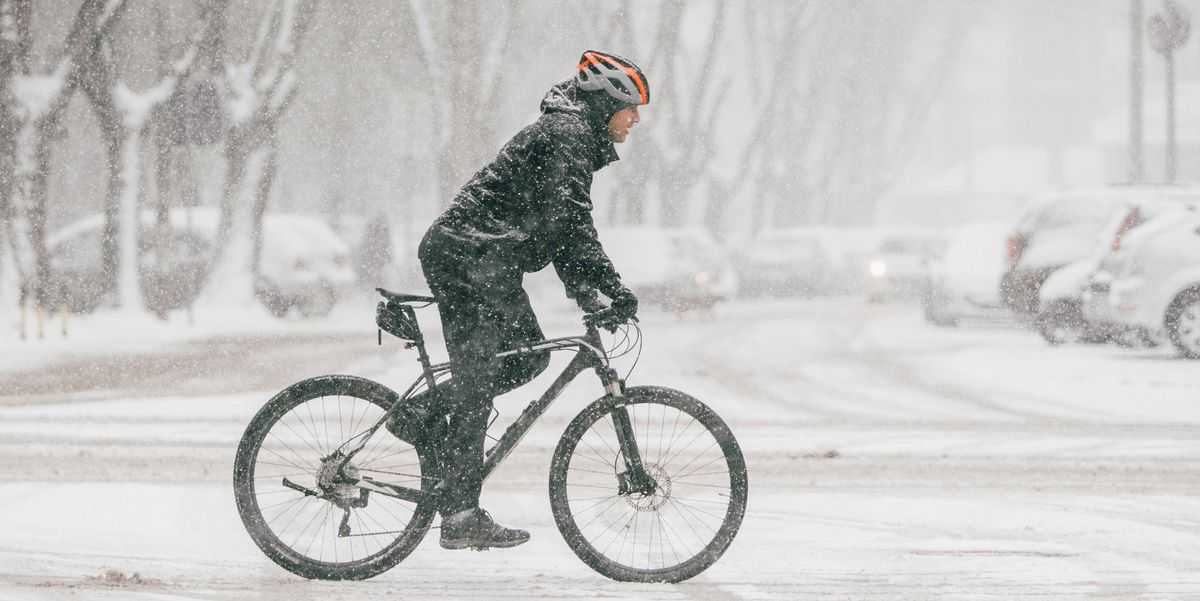 How to Bike Commute Through Winter