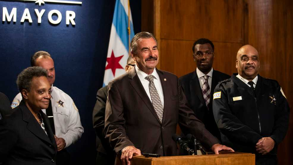 Former Los Angeles police chief named interim in Chicago