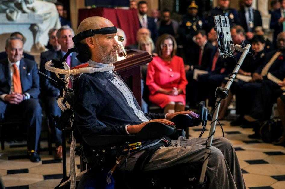 Steve Gleason receives Congressional Gold Medal in emotional ceremony at U.S. Capitol