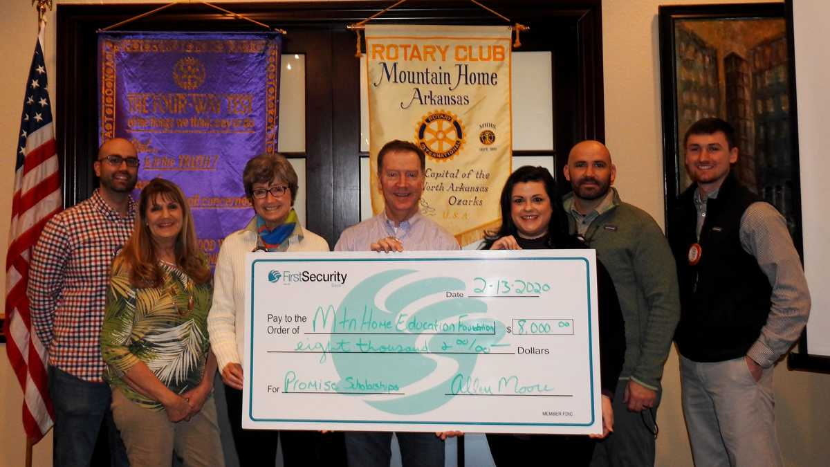 MH Rotary donated to MHEF