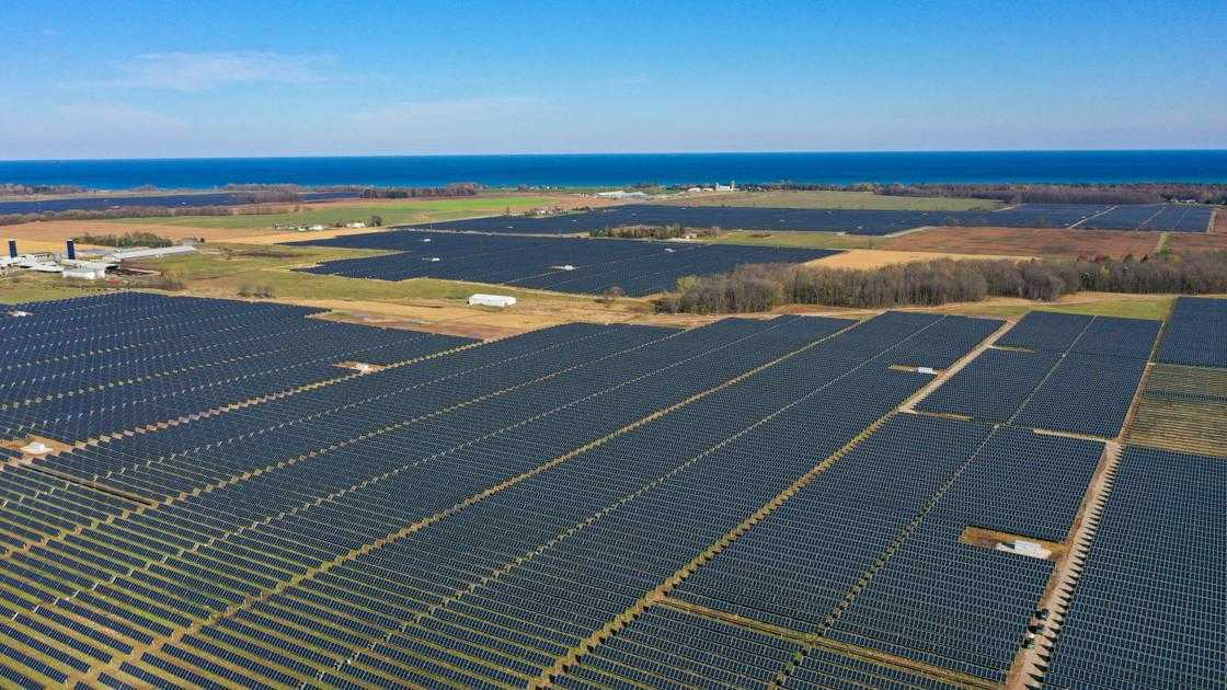 Wisconsin's first large-scale solar plant enters service; Two Creeks plant to power 33,000 homes